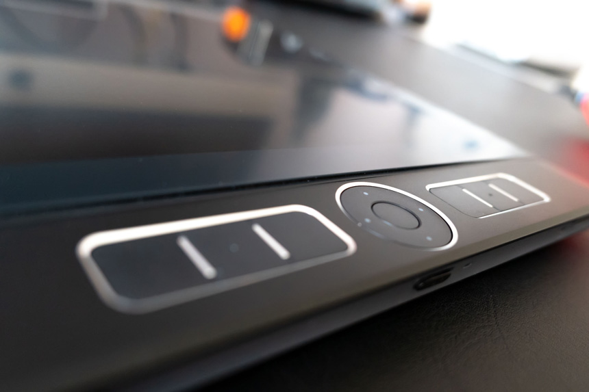 Wacom MobileStudio Pro 13 screen lifting up